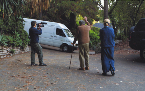 Julius Shulman waves goodbye to his archive as it leaves for the Getty Research Institute, 2004